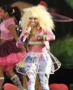 Ники Минаж, фото 119. Nicki Minaj performing on Good Morning America 05/08/'11 - nip slips!, foto 119