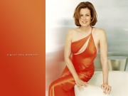Sigourney Weaver : One Sexy Wallpaper
