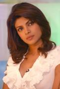 "Priyanka Chopra - NDTV's ""Green Campaign"" Second Wave Press Meet in New Delhi 8/11/09 - x5 HQ"