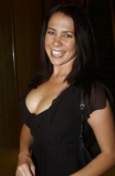 Kate Ritchie Upskirt
