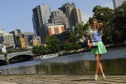 Виктория Азаренко, фото 189. Victoria Azarenka Posing with the Australian Open Trophy along the Yarra River in Melbourne - 29.01.2012, foto 189