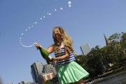 Виктория Азаренко, фото 199. Victoria Azarenka Posing with the Australian Open Trophy along the Yarra River in Melbourne - 29.01.2012, foto 199