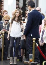 Сара Хайланд, фото 599. Sarah Hyland Extra at The Grove in LA - 02.02.2012, foto 599