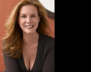 Elizabeth Perkins Wallpaper x1