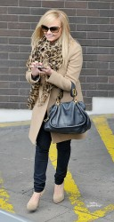 Эмма Бантон, фото 2256. Jan. 23th - London - Emma Bunton Leaving ITV Studios, foto 2256