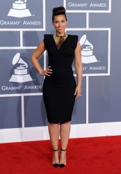 Алиша Киз (Алисия Кис), фото 3075. Alicia Keys 54th annual Grammy Awards - 12/02/2012 - Red Carpet, foto 3075