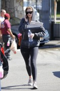 Миша Бартон, фото 10539. Mischa Barton - shopping and at a car wash in California 02/23/12, foto 10539