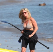 Рэйчел Хантер, фото 424. Rachel Hunter at a Malibu beach - 04/03/12, foto 424
