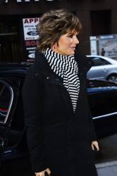 Лиза Ринна, фото 851. Lisa Rinna - 'Today' show in NYC (March 6), foto 851